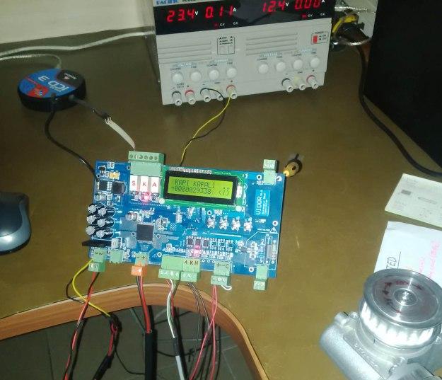 gator v1.3 board masada motor döndürüyor.